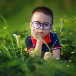 子どもの治療用メガネの費用は補助が出る!?